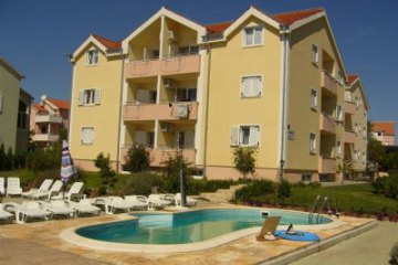 Apartments Daniel with pool, Srima - Vodice