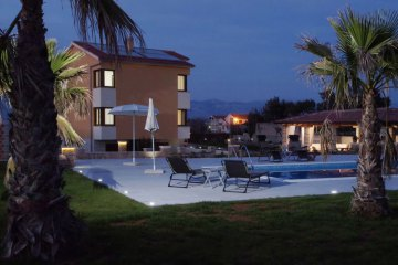 Luxury villa with swimming pool Merta, Vir - island Vir