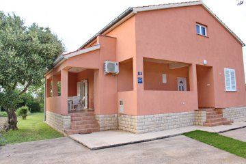 Holiday house Trstika, Nin