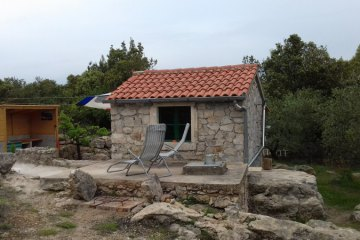 Secluded stone cottage Krunica