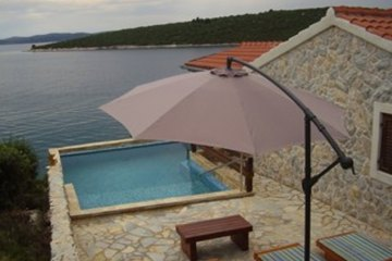 Holiday cottage Planika, Bay Landjin - island Pasman